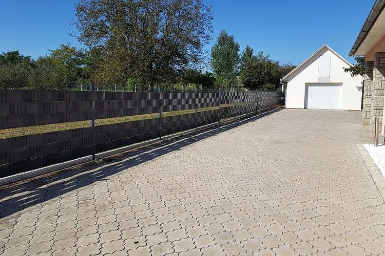 PVC traka za panelnu ogradu